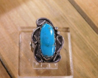 Charming Turquoise Sterling Silver Ring size 4.75