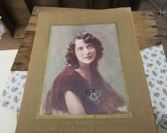 The Queen of the Provinces of France. Beauty contest Comoedia official book vintage book, Beauty contest