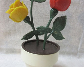 Unique Vintage Plastic Rose Salt and Pepper Shakers in Plastic Flower Pot