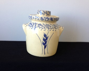 Robinson Ransbottom 1 Qt. Wheat Covered Crock with Handles