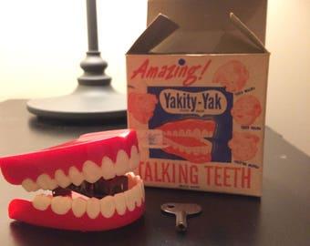 Vintage 1949 Yakity Yak Novelty Teeth