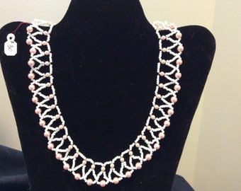 White and pink pearl necklace - Bead stitched - Pearl seed beads and Pink pearls