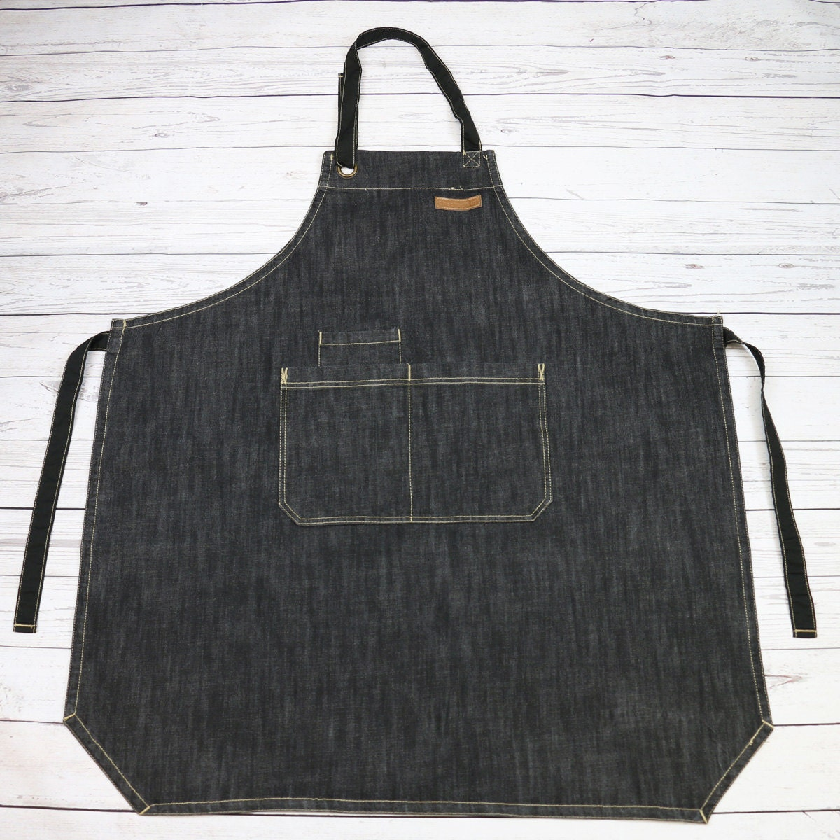 White apron malta
