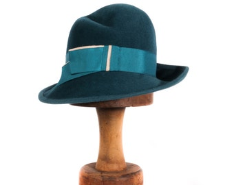 Blue vintage hat with ribbon