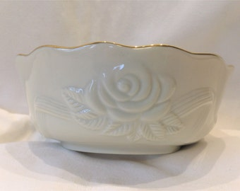 Lenox Special Embossed Rose Scalloped Edges with Gold Trim