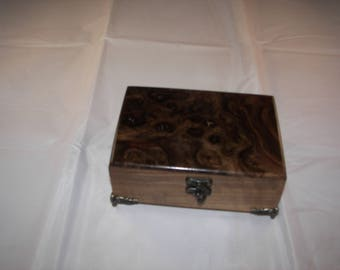 Walnut Box - Keepsake Box / Jewelry Box [100_2140]