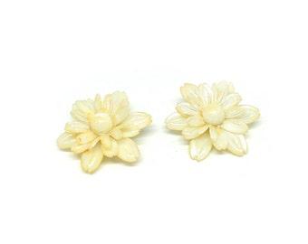 1960's Vintage Clip on Earrings | Cream Flower Earrings | Flower Clip On Earrings | Vintage Earrings