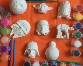 Star Wars creative party favors 8 different figures each packed separatly in the gift bag with paint and brush. Class ,school, 2.99 each