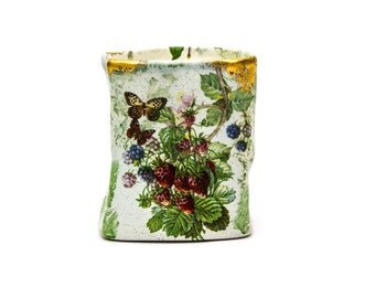 Wydnor Hall Pottery Blue Bramble Petite Crinkle Vase