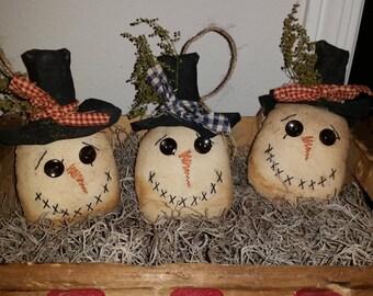 primitive handmade snowmen ornaments and bowl fillers, Christmas tree ornaments, tucks, OFG, FAAP, snowmen head ornaments,