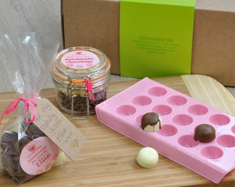 Choc gift, chocolates to give, handmade chocolates, chocolates to make, chocolate making kit, personalised gift, chocolate mould, choc kit