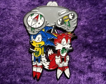 Sonic and Tails Sega Genesis Hat Pin By Bearly Art