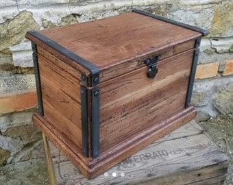 wooden box , reclaimed wood box , jewelry box , keepsake box , rustic wooden box