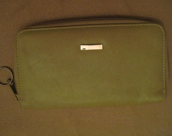 Un Used Faux Leather Sage Light Green Women's Wallet Checkbook Cover Clutch Bag