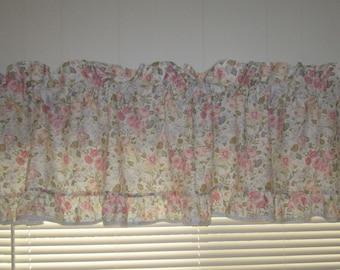 Vintage Laura Ashley Quartet Valance, Blue Pink Flowered Valance,Shabby Chic Flowered Valance,Cottage Chic Valance.Vintage Window Treatments