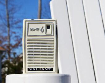 1960s Valiant Hi Fi Transistor radio