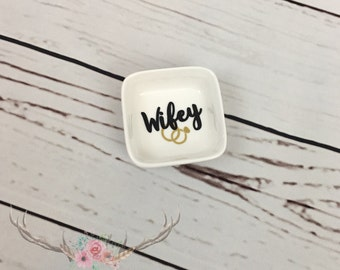 Ring Dish | Personalized Engagement Ring Dish | Bridal Shower Gift | Ring Holder | Engagement Gift | Engagement Ring Holder | Jewelry Dish