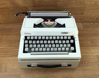 Portable typewriter Working typewriter Manual typewriter Royal Safari IV model Vintage typewriter Collectible typewriter Made in Bulgaria