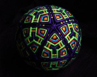 "Temari Ball ""Atom"" Japanese Psychedelic Art Handmade Home Decor Crafts"