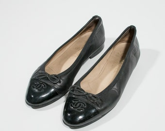 CHANEL - leather loafer