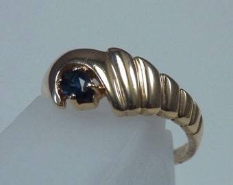 14K Yellow Gold Sapphire Ring, 2.9 grams, size 6.75
