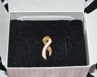 1993 Avon Better Breast Care Ribbon Small Pin