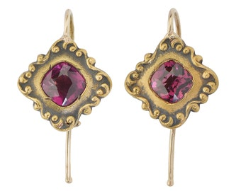 MARKED DOWN! Antique Garnet Earrings || Edwardian Vintage Garnet Earrings | Estate Yellow Gold || 17038