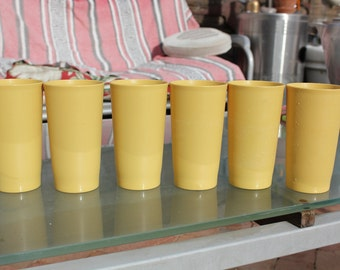 1960's Vintage Tupperware Set of Six ( 6 ) Harvest Gold Stacking  Cups / Tumblers - 12 ounce capacity - Very Good Condition