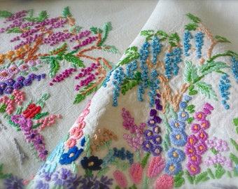 """Hand Embroidered """"Weeping Willows"""" Vintage Linen Tablecloth"""