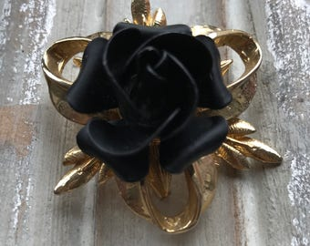 Absolutely stunning vintage brooch