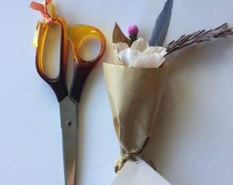 Mini paper flower bouquet / gift topper