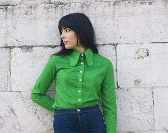 Seventies green blouse.