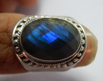 92.5 Sterling Silver Labradorite Ring Faceted Oval Shape Stone Size: 13X18 MM Approx Best Quality On Wholesale Price.