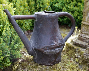 Rare small French horticulturist's copper watering can. Arrosoir en cuivre. c.1780