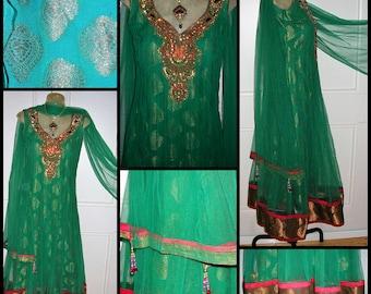 70s emerald green paisley print silk, net, brocade braid Zardozi metal gold wire thread & crystal embellished Indian Couture dress + wrap SM