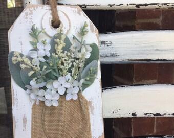 Hanging Wooden Farmhouse Tag With Flowers, Spring Decor, Farmhouse Decor, Wall Decor, Floral Arrangement