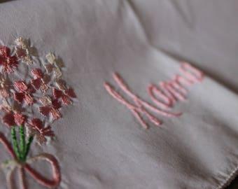 """Vintage Embroidered Hankie - """"Mama"""""""