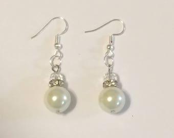 Elegant Pearl Dangle Earring with rhinestone