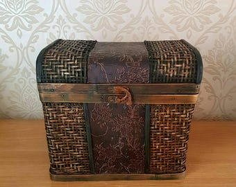 Rustic Old Vintage Decorative Chest Trunk Wood Wicker Home Decor