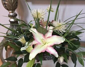 Floral arrangement, Centerpiece, Silk flower arrangement, Artificial arrangement
