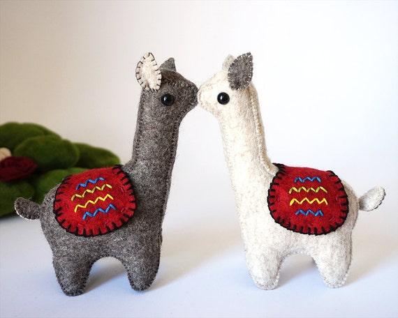 Llamas | Llamas in Love | Llama Love | Wedding Topper | Llama gifts | Waldorf | Exotic Animals | Llama | Soft Sculpture | Elk Toy | Soft Toy