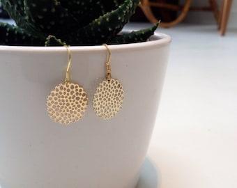 Gold round filigree earrings