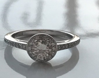 Sweet Halo - Diamond Ring - Engagement Ring-  Sparkly Round - Brilliant Diamond - Pave Ring - Vintage Style - Champagne Diamond
