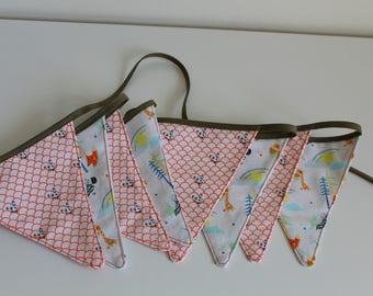 Animal-themed nursery bunting/garland, child's/toddler's room decoration, birthday/babyshower gift, mini bunting, safari bunting