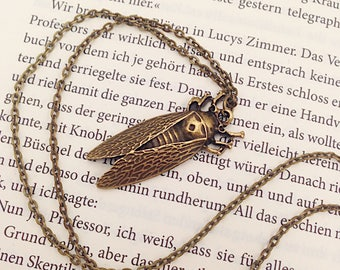 "Insects ""Cicada"" pendant in bronze"
