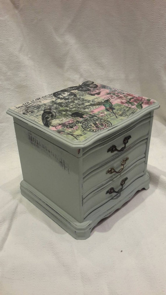 jewelry box vintage mini chest of drawers shabby chic. Black Bedroom Furniture Sets. Home Design Ideas