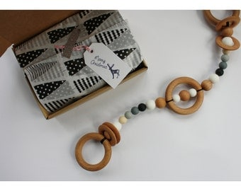 Wood NUBA Pram Chain String Garland Teether  - Kinderwagenkette - Hochet - Beißring