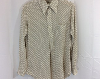 70s vintage mens polyester long sleeve button up shirt in white and tan checkers modern size large casual butterfly pointed collar