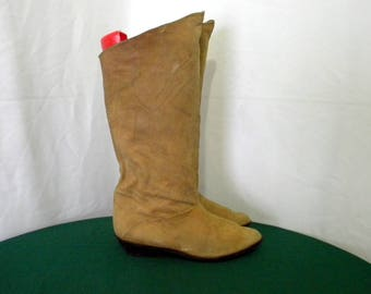 Sz 7 Vintage Tall Brown Suede 1980s Women flat pirate slouch  boots.