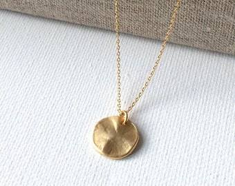 Hammered Gold Disc Necklace, gold hammered pendant necklace, matte gold necklace, bridesmaid necklace, gift for mom, Mother's Day gift